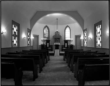 Photograph of interior of Temple Beth El