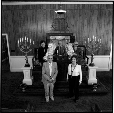 Photograph of Deborah Baruch Abrams, Meyer Rosen, Alwyn Goldstein, Rita Levy Fogel, and Philip Schneider inside Temple Beth Elohim